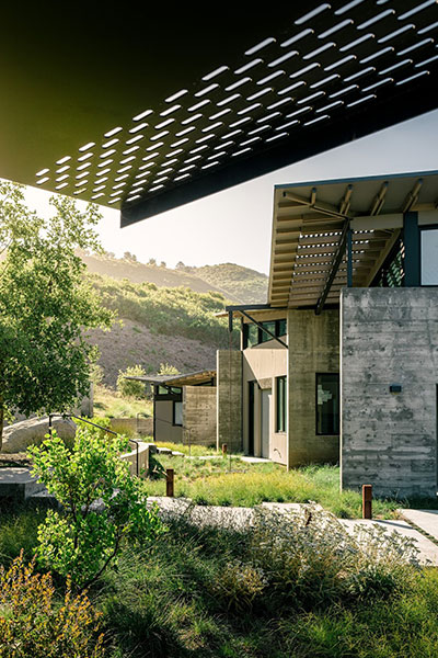 Butterfly house contemporary low energy home in carmel for Feldman architecture