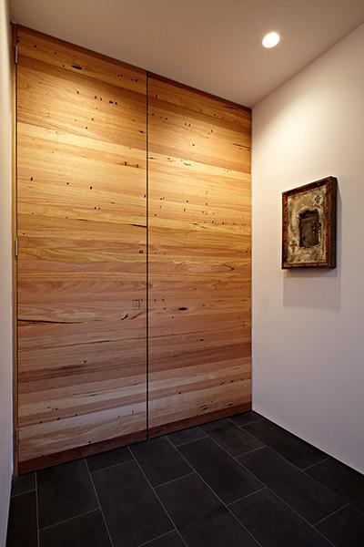 Contemporary Hallway In Melbourne