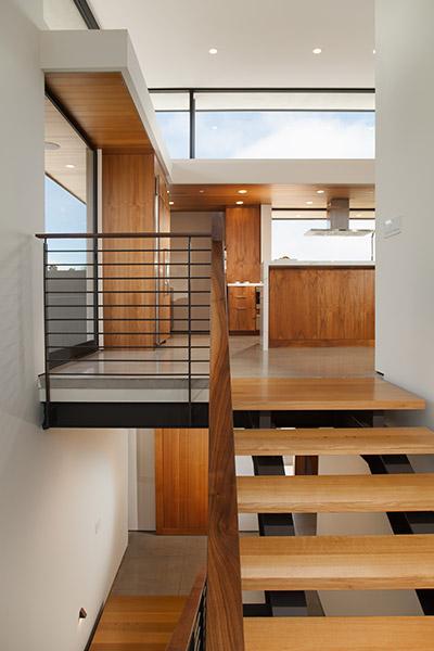 Cornelio Residence Beautiful Staircase Leading To Kitchen