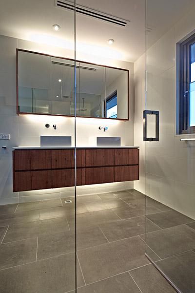 Elsternwick Renovation Contemporary Bathroom