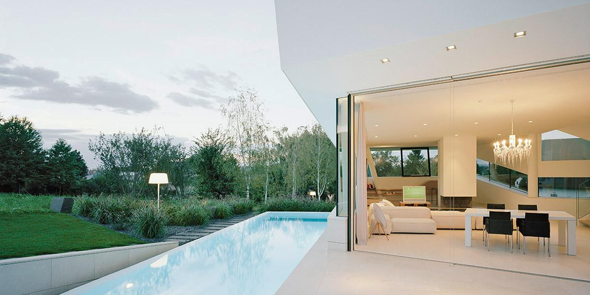Freundorf Residence - Futuristic House In Vienna