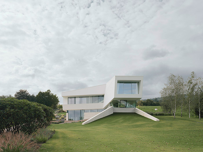 All White Houses Freundorf Residence - Ultra-Modern House Near Vienna By Project A01  Architects