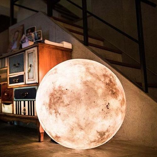 Luna XXL moon lantern for a romantic living room
