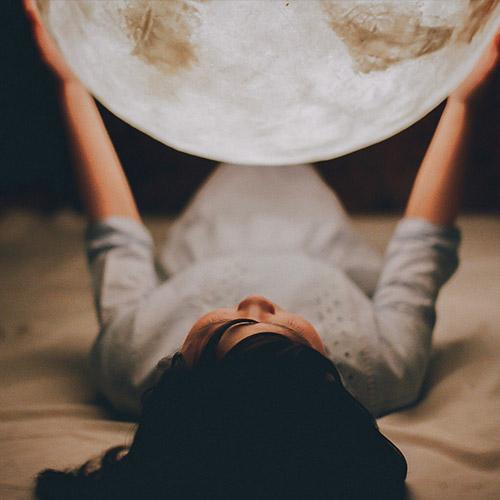 Luna lamp-Moon lantern romantic cliche