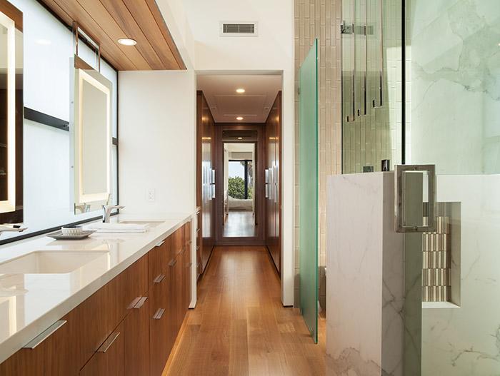 Modern And Luxurious Bathroom Design