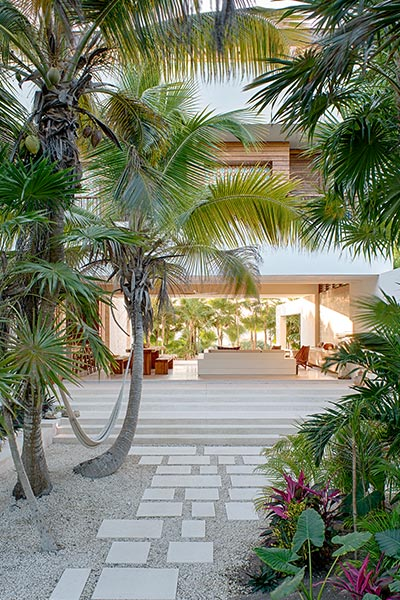 Modern Beach House In Mexico