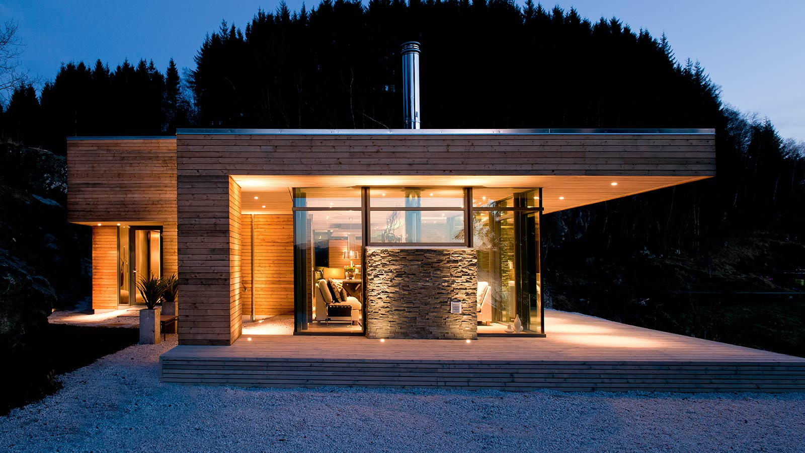 Modern cabin gj 9 in norway by gudmundur jonsson for 90s modern house