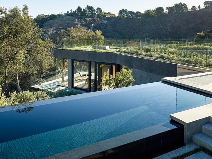 Oak Pass House Contemporary Home With Infinity Pool In