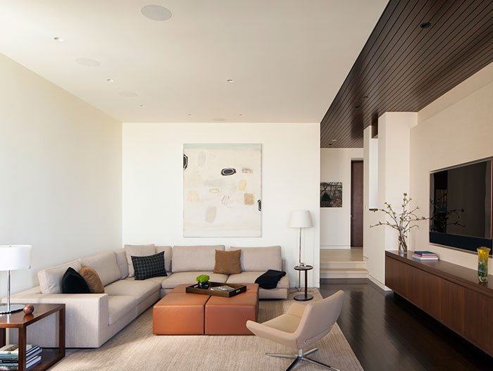 Traditional Los Angeles House by Abramson Teiger Architects