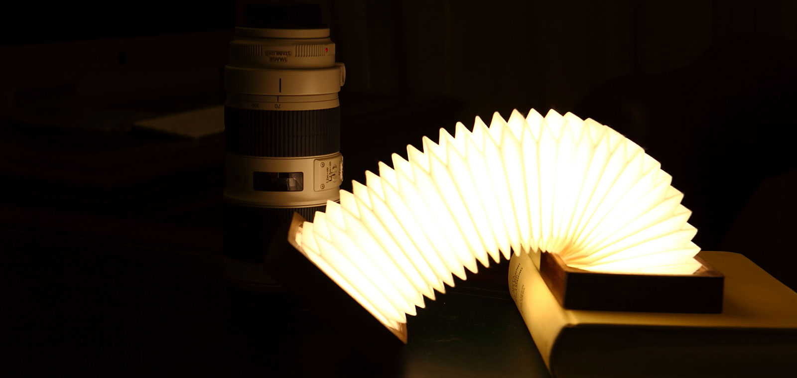 Orilamp-Origami-Inspired-Smart-Lamp-with-app