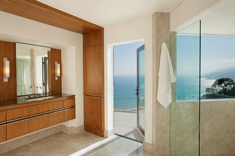 Hillside Los Angeles Home - Modern Bathroom