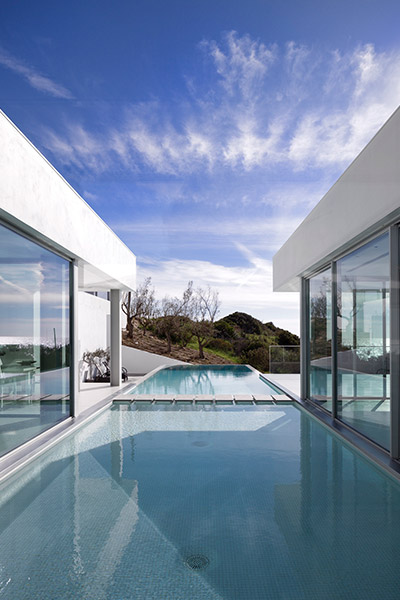 Stunning Bauhaus style home in Algarve Portugal with beautiful pool and views
