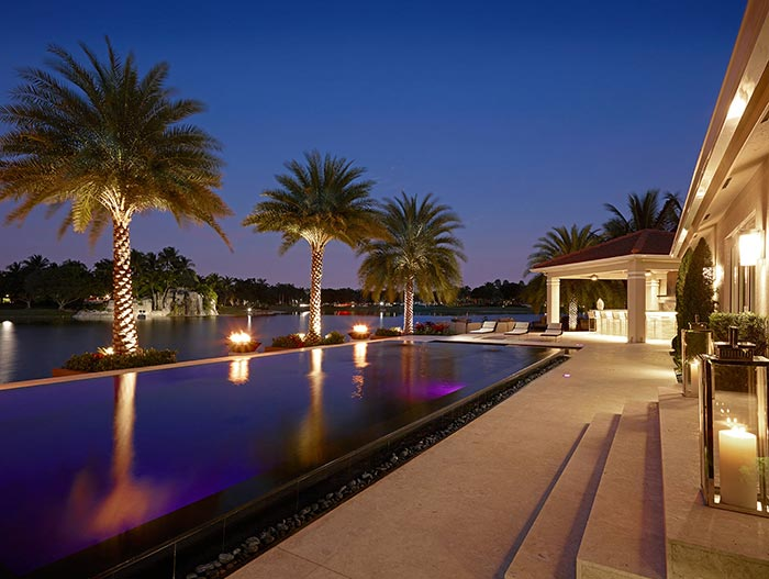 Stunning House In Miami Beach Florida