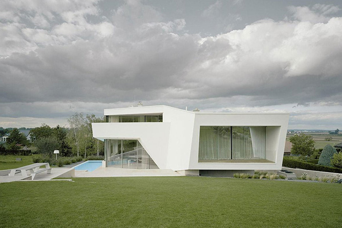 Ultra Modern House Near Vienna