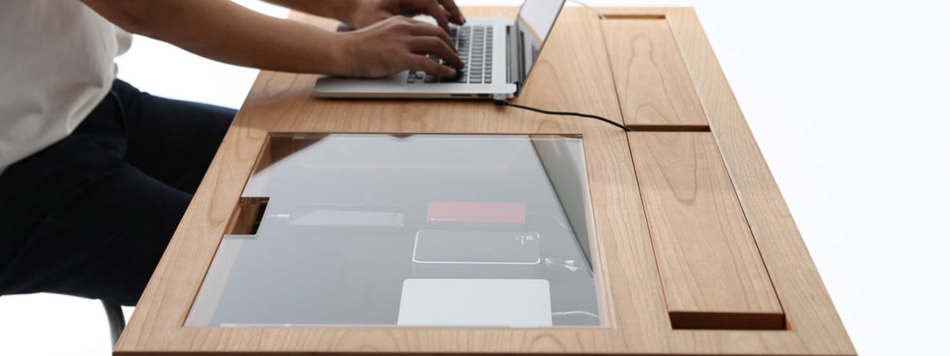 WT Desk by Consentable