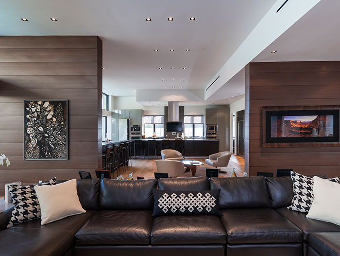 Wallace Ridge Stylish home with beautiful interior by Whipple Russell Architects