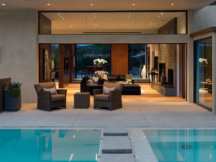 Wallace Ridge - Stylish home with stunning pool