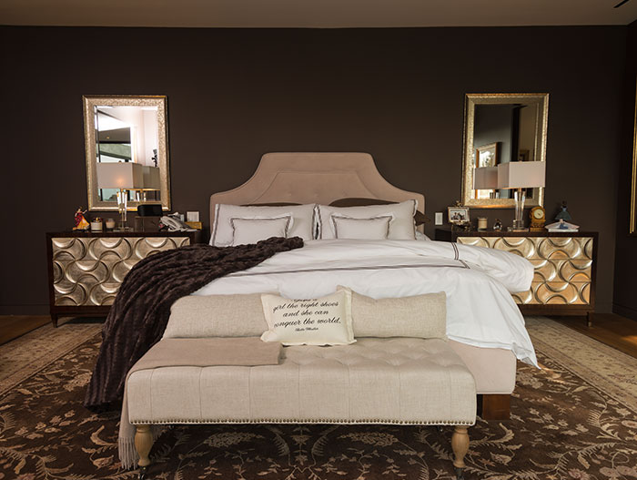 Wallace Ridge by Whipple Russell Architects - Luxurious master bedroom