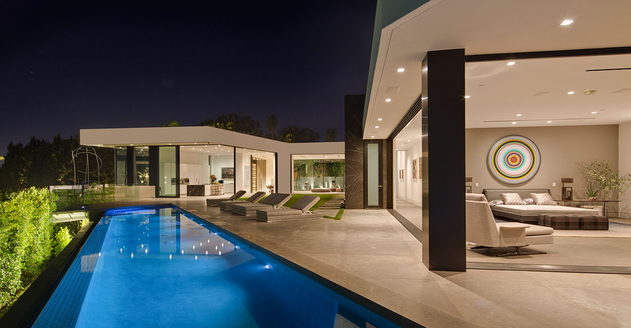 Amazing contemporary Californian mansion with gorgeous infinity pool by McClean Design