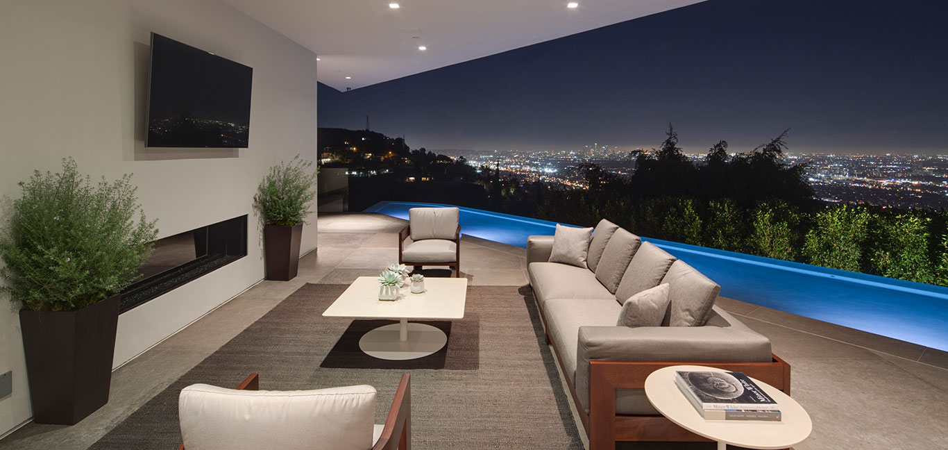 Amazing mansion with spectacular views of Los Angeles, California, USA
