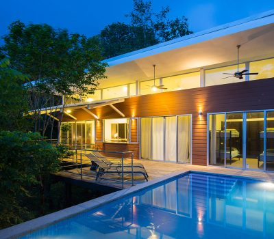 Seagull House: Amazing suspended house in Costa Rica blends with the dense forest - by Indigo Arquitectura