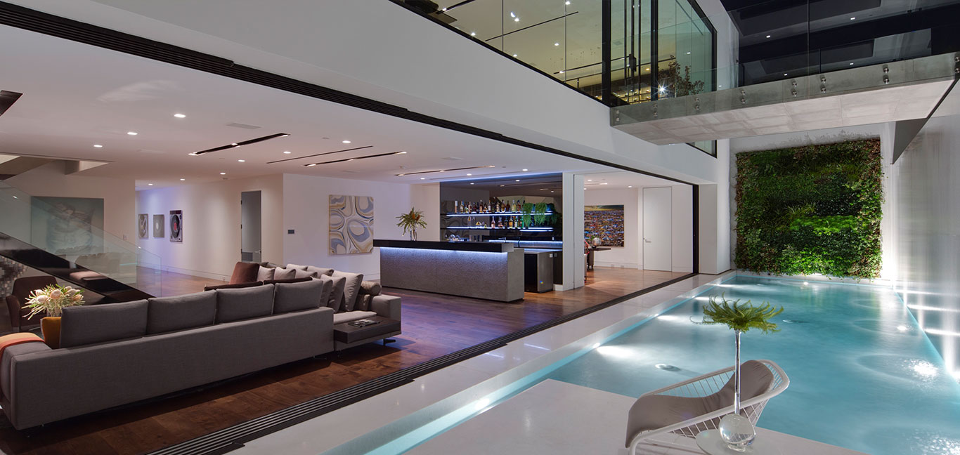 Amazing Tanager Way mansion with contemporary architecture overlooks Los Angeles