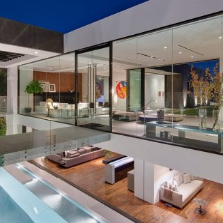 Amazing Tanager Way mansion in Los Angeles perfect for famous fashion designer