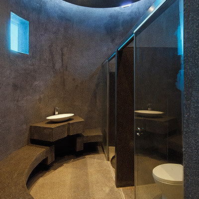 Contemporary bathroom design in breathtaking house in Peru: House Forever by Longhi Architects