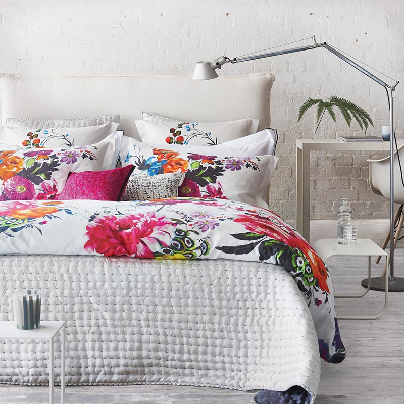 10 beautiful bedding sets to update your bedroom for summer 10 stunning homes for Beautiful bedroom comforter sets