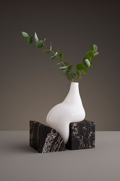 Beautiful sculptural vase by studio E.O. - part of Indefinite abstract vases collection