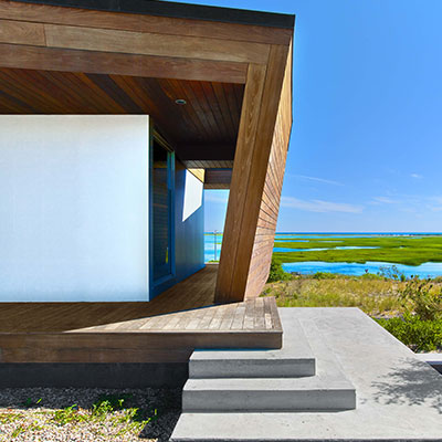 Contemporary architecture: Amazing 2-storey beach house in Provincetown with beautiful interior by Hariri & Hariri Architecture