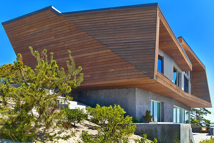 Contemporary beach house with stunning views of the Cape Cod Bay, Massachusetts