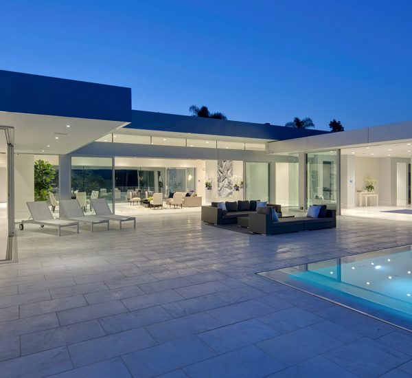 Carla Ridge Residence: Spectacular Beverly Hills mega mansion by McClean Design overlook Los Angeles