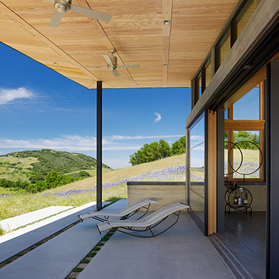 Caterpillar House by Feldman Architecture - contemporary Californian ranch house, perfect for an indoor-outdoor lifestyle