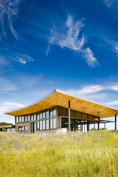 Caterpillar House by Feldman Architecture - LEED Platinum certified Californian ranch home. perfect for an indoor-outdoor lifestyle