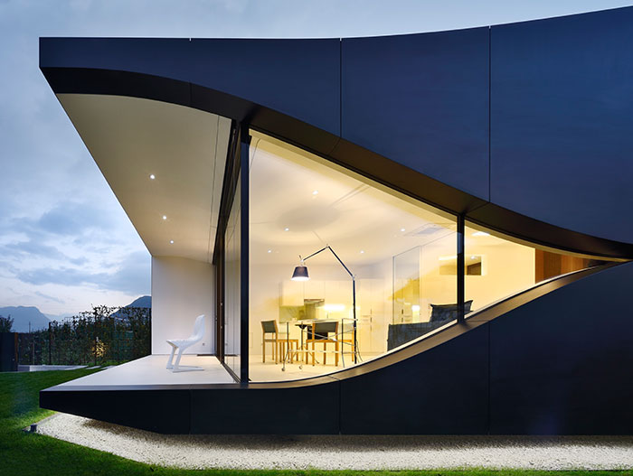 Contemporary architecture at its best : Amazing Mirror Houses by Peter Pichler Architecture