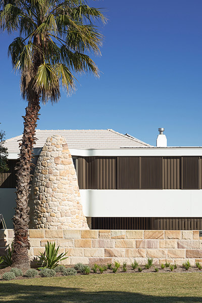 Amazing contemporary architecture - renovated Australian home by Luigi Rosselli Architects