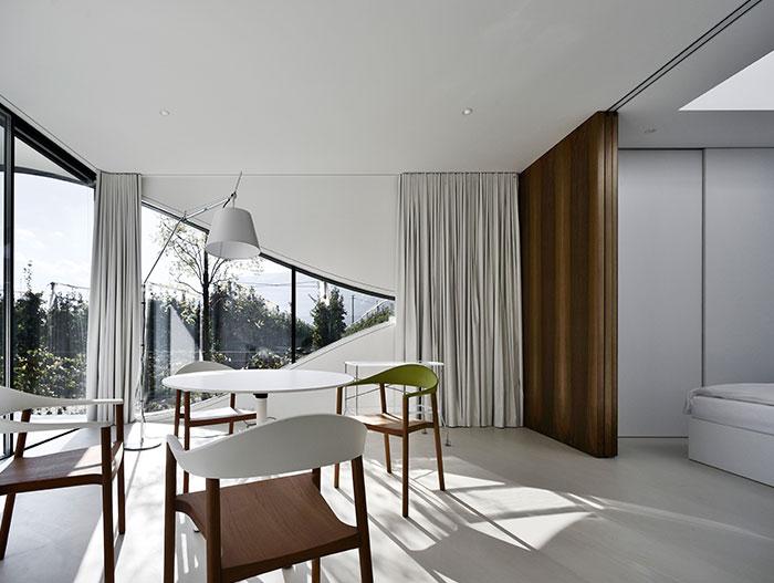 Contemporary interior design in Mirror Houses, Italy