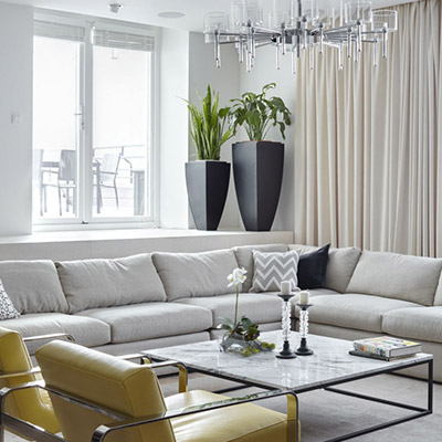Contemporary living room in Moscow apartment by Alexandra Fedorova