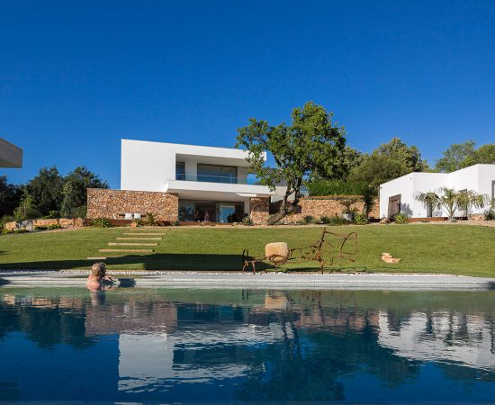 A gorgeous contemporary villa in Algarve, Portugal by Mario Martins Atelier