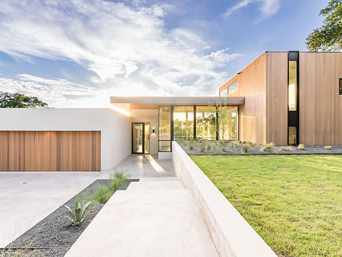 Designed by Matt Fajkus Architecture, this dazzling house in Austin has magnificent views and lets the family enjoy an indoor-outdoor lifestyle