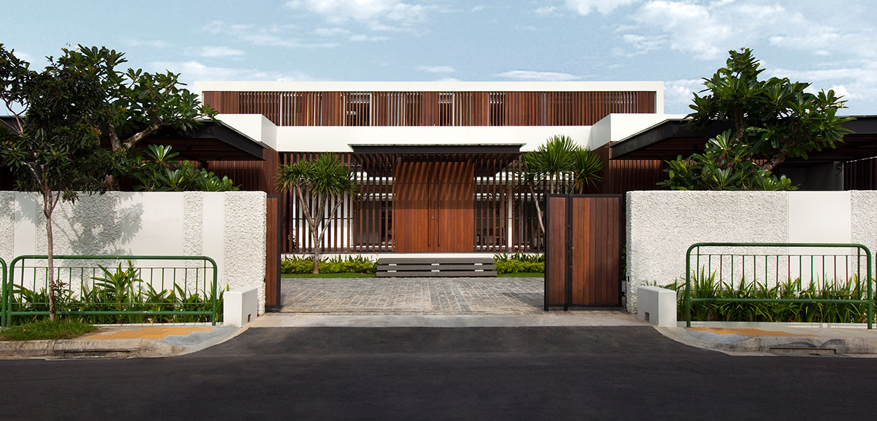 Enclosed Open House by Wallflower Architecture + Design: Spacious contemporary house in Singapore strikes a balance between privacy and openness