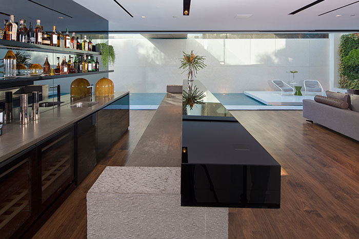 Gorgeous bar in Los Angeles mansion by McClean Design