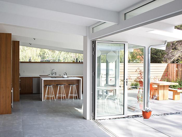 Modern kitchen design idea in a Palo Alto house by Klopf Architecture