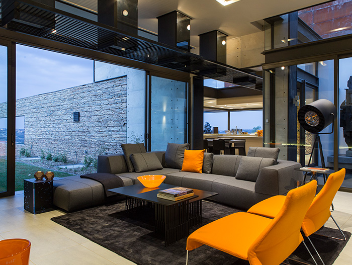 Colorful living room design in a contemporary mansion