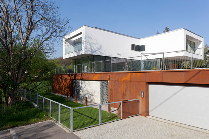 A light-filled, low-energy house in Vienna by Architekt Zoran Bodrozic