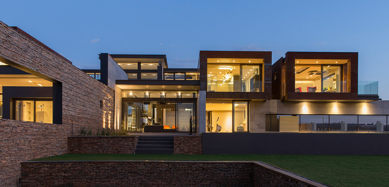 This contemporary mansion in South Africa blends luxury with comfort - by Nico van der Meulen Architects