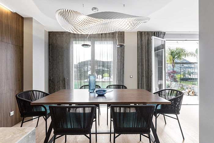 Luxurious dining room in stylish villa in Bordighera, Italy - interior design by NG-Studio