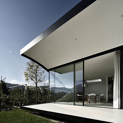 Mirror Houses - contemporary architecture that brings the incredible landscape inside