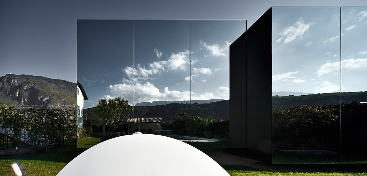 Mirror Houses - Contemporary architecture at its very best